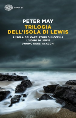 Copertina del libro Trilogia dell'isola di Lewis di Peter May