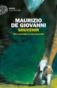 Copertina del libro Souvenir di Maurizio de Giovanni